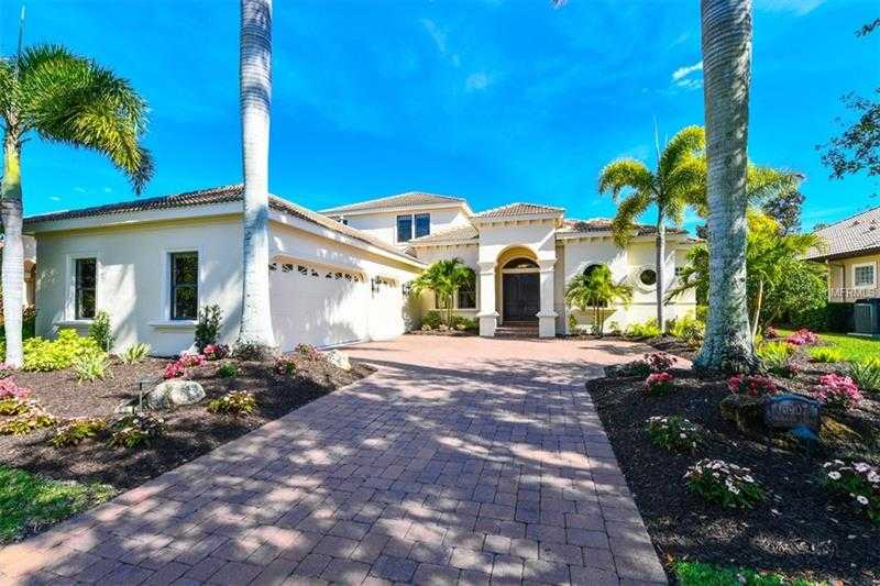 $949,950 - 4Br/4Ba -  for Sale in Lakewood Ranch Ccv Sp Ff, Lakewood Ranch