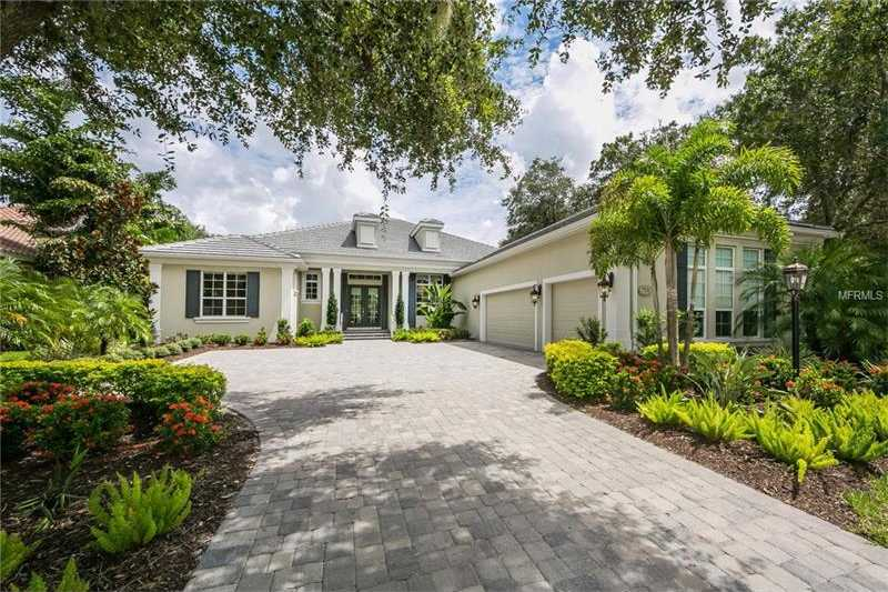 $999,000 - 3Br/3Ba -  for Sale in Lakewood Ranch Country Club Village, Lakewood Ranch