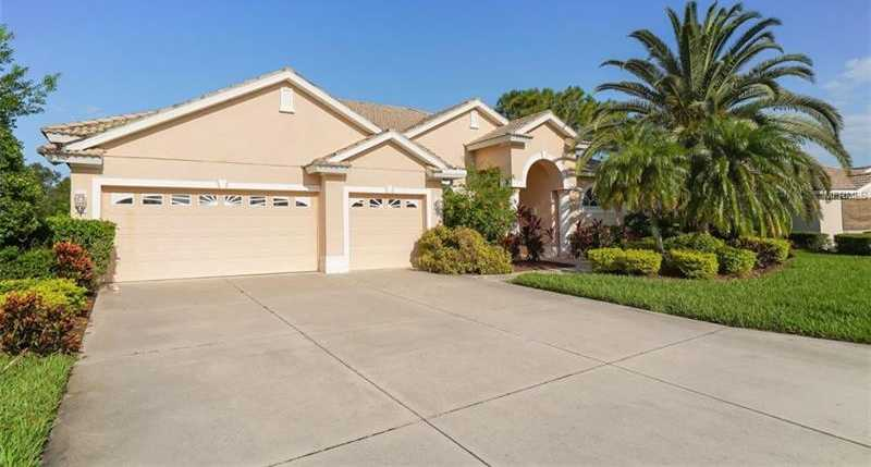 $539,000 - 3Br/3Ba -  for Sale in Heritage Oaks Golf & Country Club, Sarasota