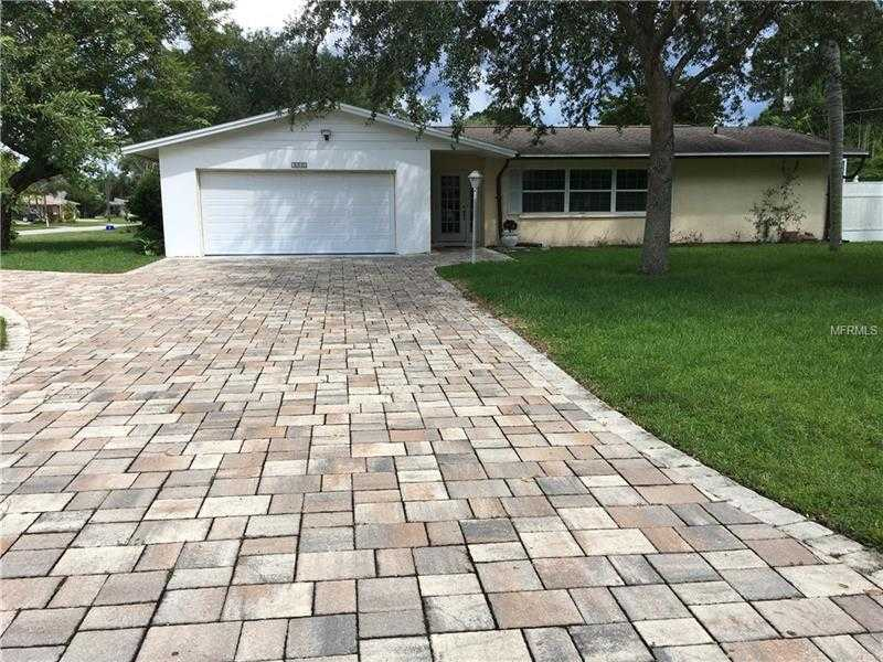$318,000 - 3Br/2Ba -  for Sale in De Soto Lakes Country Club 1, Sarasota