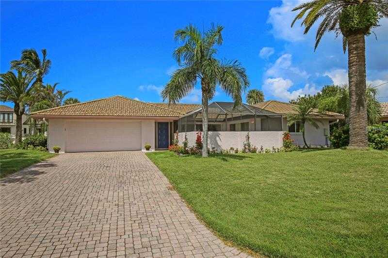 $939,000 - 3Br/2Ba -  for Sale in Country Club Shores, Longboat Key