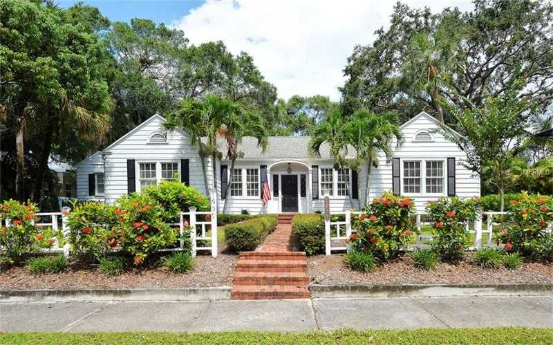 $1,095,000 - 5Br/4Ba -  for Sale in Lewis Combs Sub, Sarasota