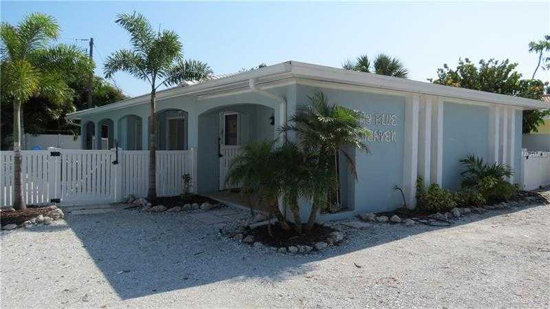 $947,000 - 4Br/2Ba -  for Sale in West Wind Shores, Holmes Beach