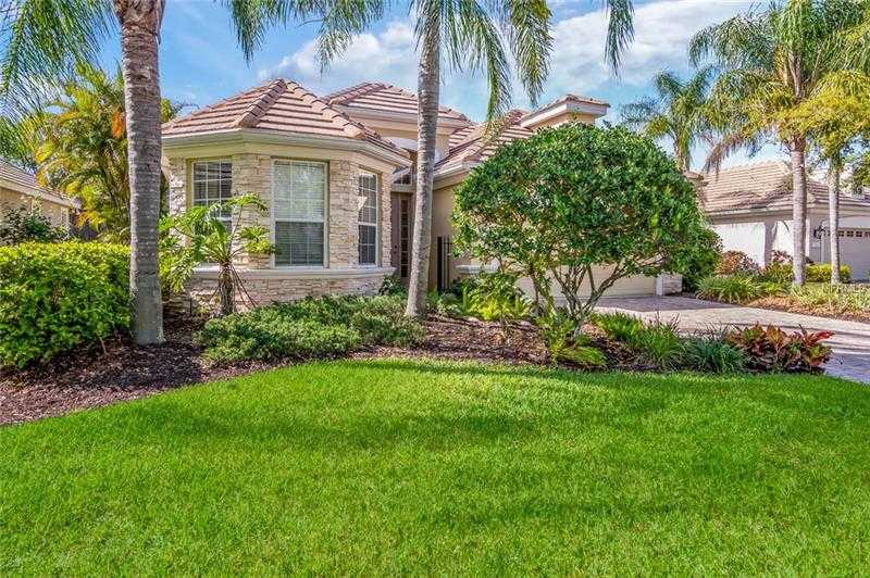 $395,000 - 3Br/2Ba -  for Sale in Lakewood Ranch, Lakewood Ranch