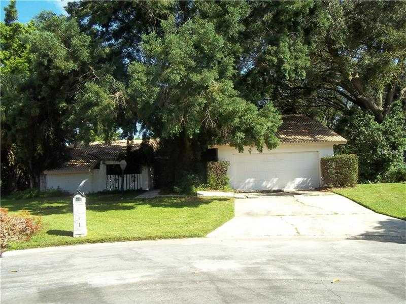 $302,900 - 3Br/3Ba -  for Sale in Bent Tree Village, Sarasota