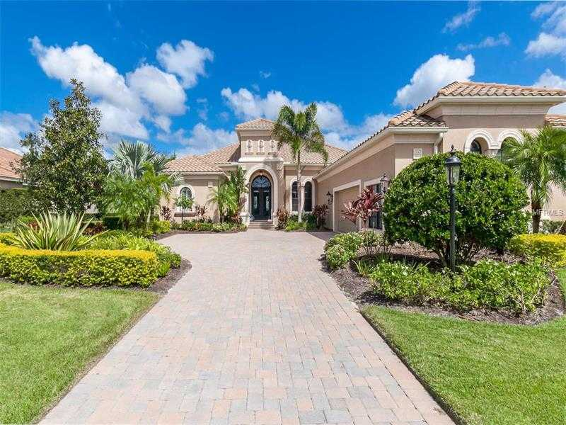 $1,095,000 - 4Br/3Ba -  for Sale in Country Club East At Lakewood Ranch Sp, Lakewood Ranch