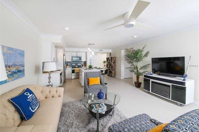 $444,400 - 2Br/2Ba -  for Sale in Dolphin Tower, Sarasota