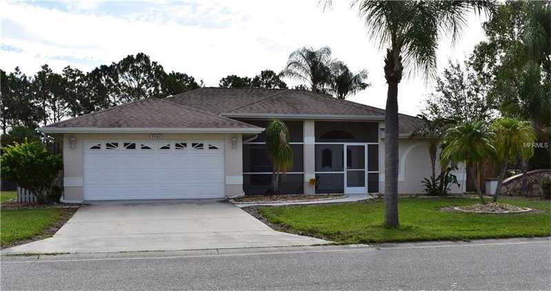 $334,900 - 3Br/2Ba -  for Sale in Country Meadows, Sarasota