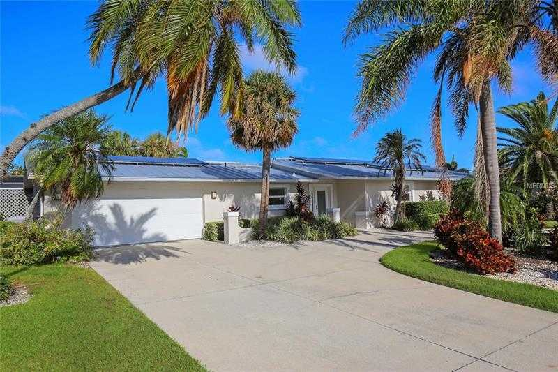$1,295,000 - 4Br/2Ba -  for Sale in Country Club Shores, Longboat Key