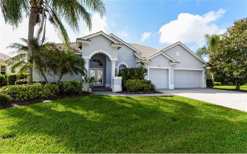 $550,000 - 3Br/3Ba -  for Sale in Heritage Oaks Golf & Country Club, Sarasota