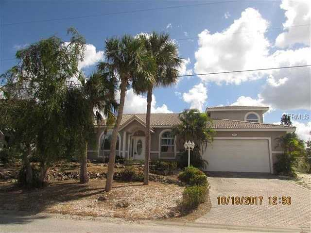 $762,000 - 4Br/3Ba -  for Sale in Country Club Shores, Longboat Key