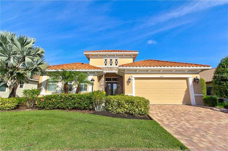$627,000 - 3Br/3Ba -  for Sale in Country Club East At Lakewood Ranch Sp, Lakewood Ranch