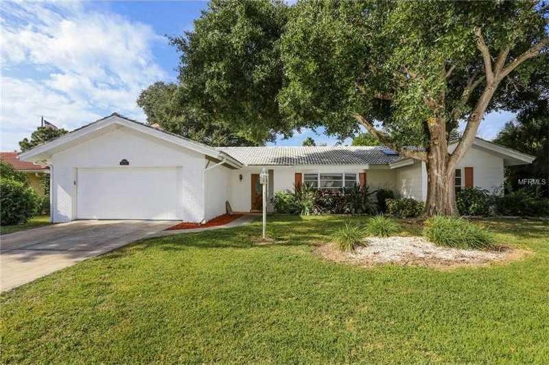 $309,000 - 3Br/2Ba -  for Sale in Gulf Gate Woods, Sarasota