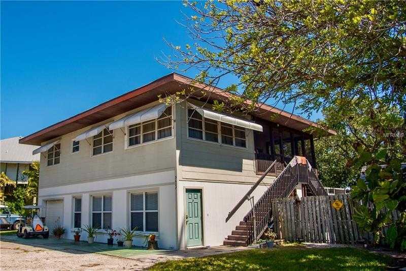 $839,000 - 4Br/3Ba -  for Sale in Holmes Beach Twelfth Unit, Holmes Beach