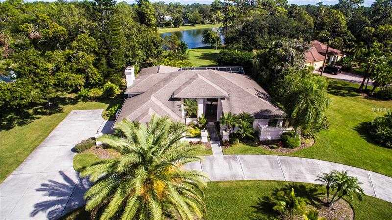 $649,000 - 4Br/3Ba -  for Sale in Bent Tree Village, Sarasota