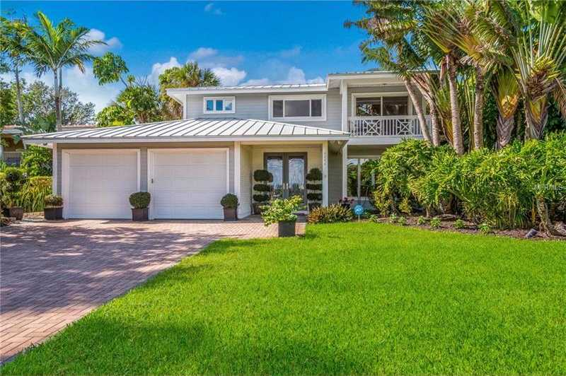 $1,979,000 - 4Br/4Ba -  for Sale in Elliot M Prop Siesta Key, Sarasota
