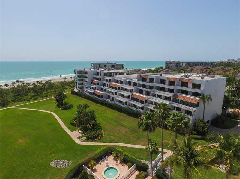 $549,000 - 2Br/3Ba -  for Sale in Players Club I, Longboat Key