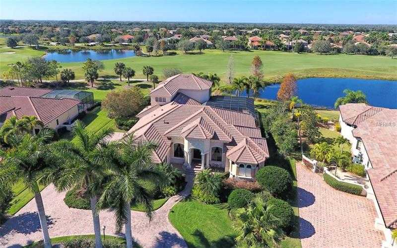 $1,085,000 - 5Br/4Ba -  for Sale in Lakewood Ranch Country Club, Lakewood Ranch