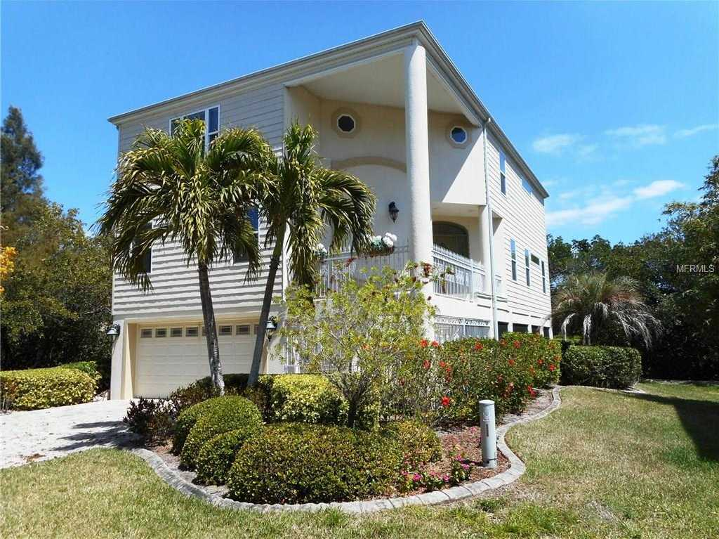 $875,000 - 4Br/3Ba -  for Sale in Laguna Yacht Village Condo, Longboat Key