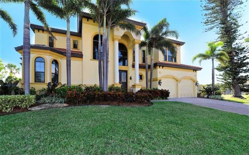 $1,750,000 - 5Br/4Ba -  for Sale in Country Club Shores, Longboat Key