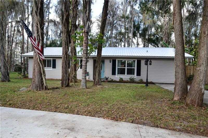 $270,000 - 3Br/2Ba -  for Sale in Cypress Park, Lutz