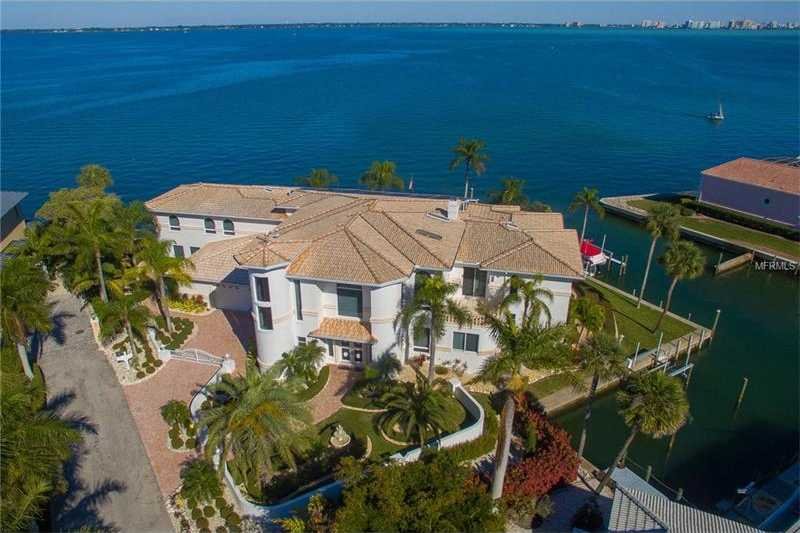 $3,850,000 - 4Br/6Ba -  for Sale in Country Club Shores Sec 03, Longboat Key