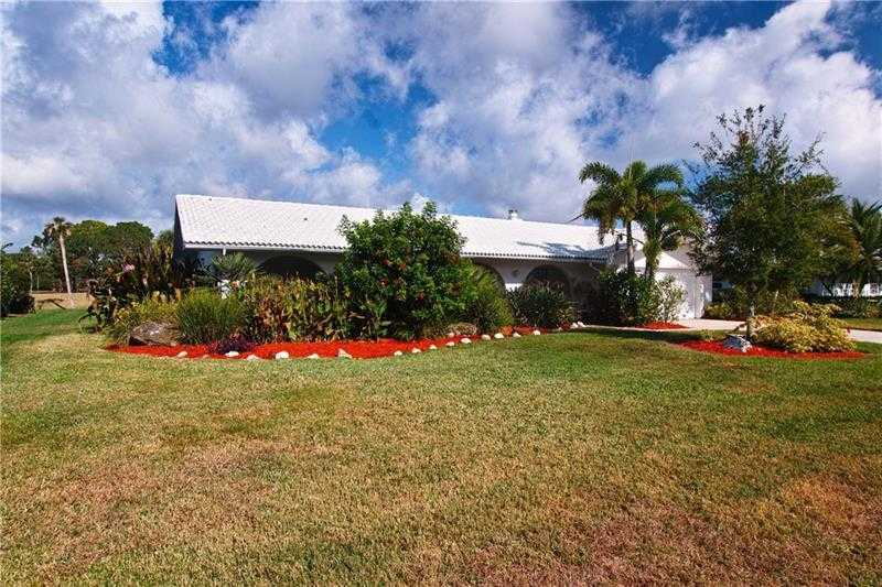 $389,000 - 3Br/2Ba -  for Sale in Meadows The, Sarasota