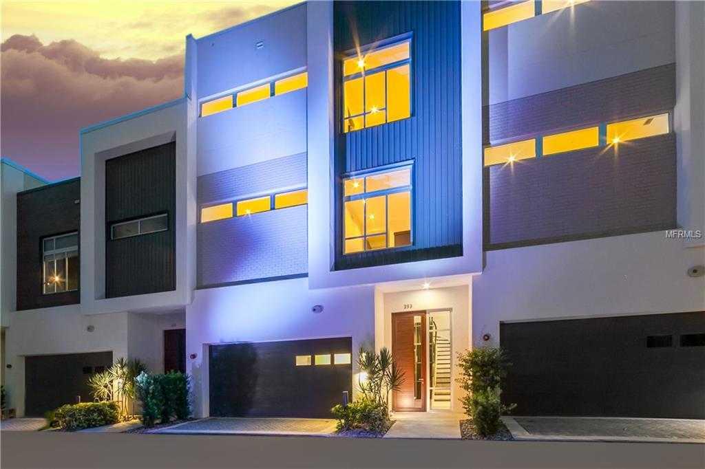 $990,000 - 3Br/4Ba -  for Sale in Q, Sarasota