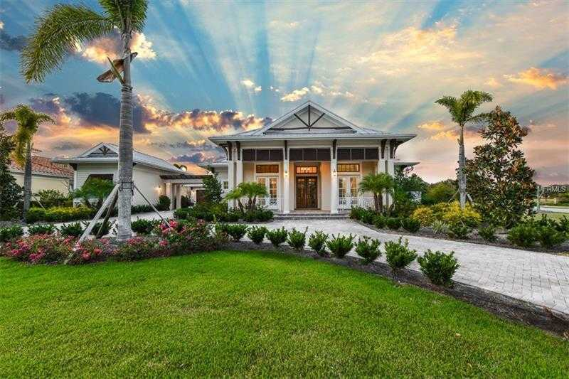 $1,195,000 - 4Br/3Ba -  for Sale in Lake Club Ph I, Lakewood Ranch