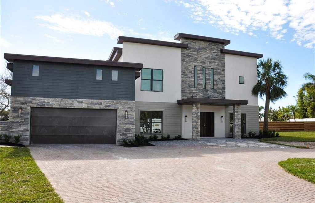 $1,895,000 - 5Br/4Ba -  for Sale in South Cswy Isle Yacht Club 2nd Add, St Petersburg