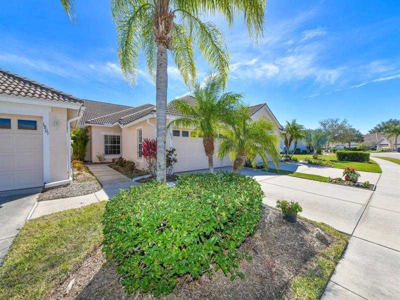 $234,900 - 2Br/2Ba -  for Sale in Pelican Pointe Golf & Country Club, Venice