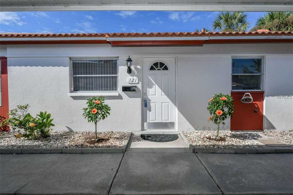 $379,900 - 2Br/2Ba -  for Sale in Vista Hermosa, Sarasota