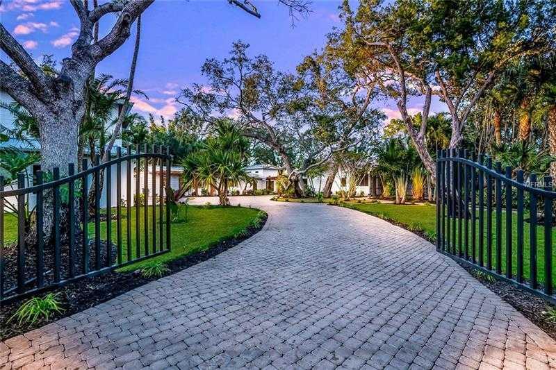 $3,895,000 - 5Br/7Ba -  for Sale in Sanderling Club, Sarasota