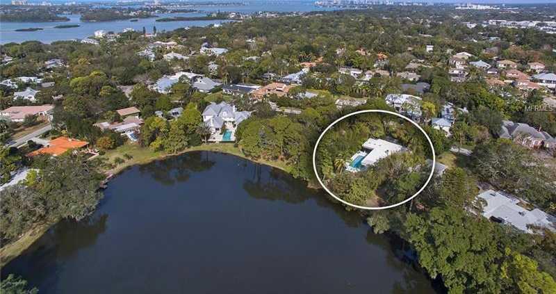 $2,175,000 - 4Br/3Ba -  for Sale in Oyster Bay Estates, Sarasota