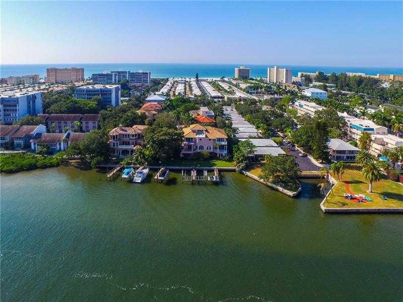 $945,000 - 3Br/3Ba -  for Sale in Derby Bay North, Sarasota