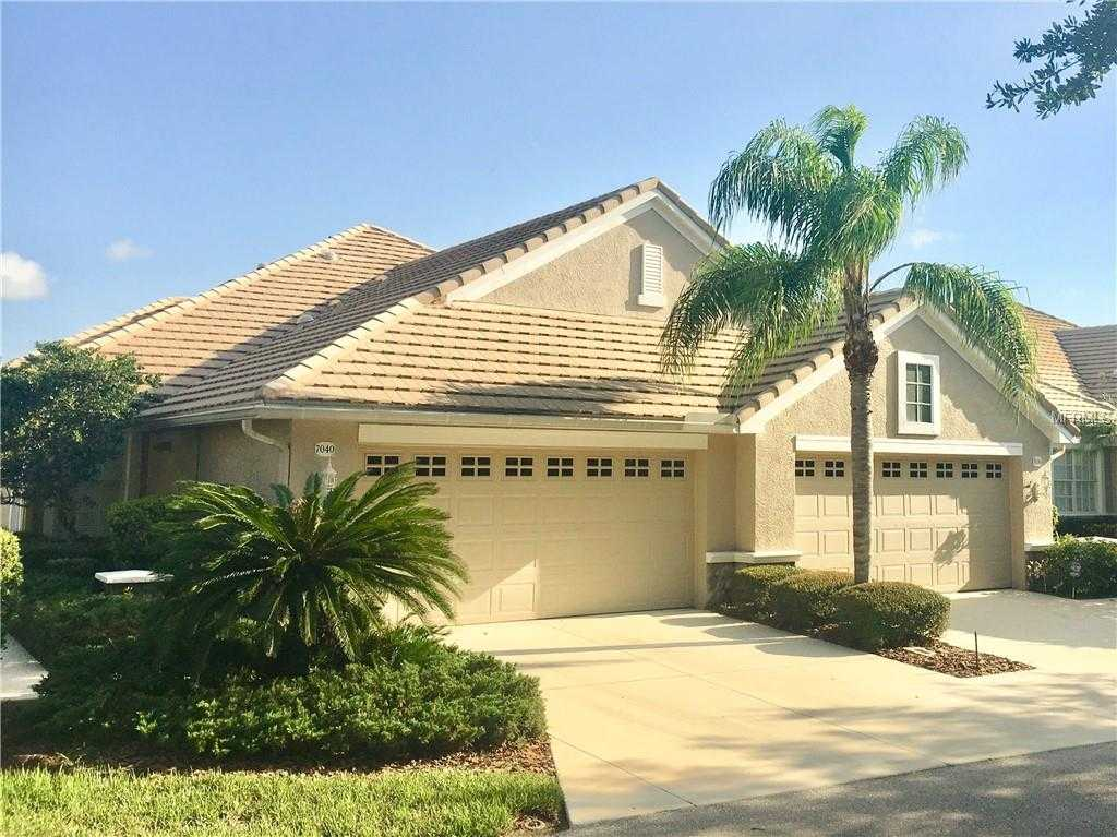$289,000 - 3Br/2Ba -  for Sale in Lakewood Ranch Country Club, Lakewood Ranch