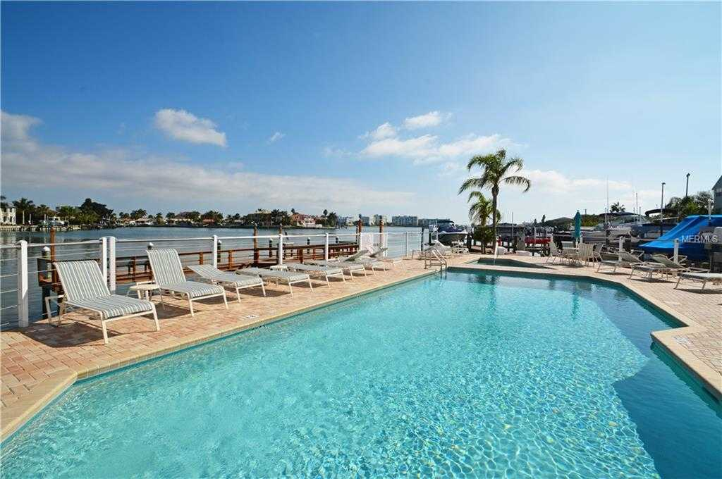 570 000 2br 2ba For In Captiva Cay St Pete Beach