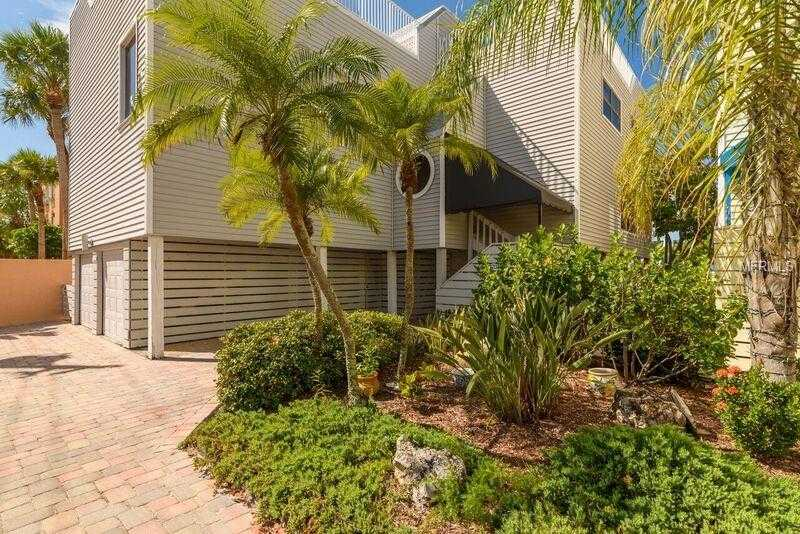 $649,000 - 2Br/3Ba -  for Sale in Surfside Four, Sarasota