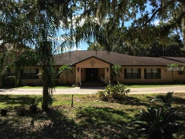 635 000 6br 7ba For In Chapman S Lake Front Tracts Brandon