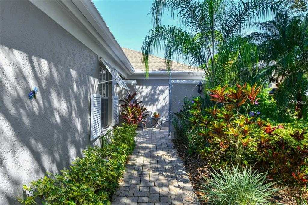 $279,000 - 3Br/2Ba -  for Sale in Meadows-chambery, Sarasota