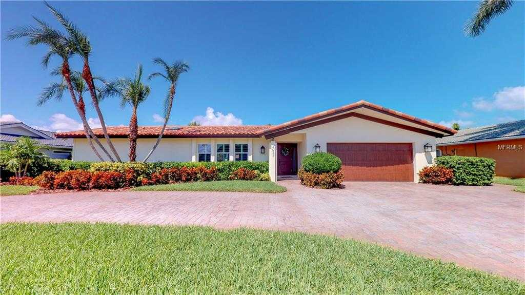 $1,175,000 - 4Br/3Ba -  for Sale in Venetian Isles, St Petersburg