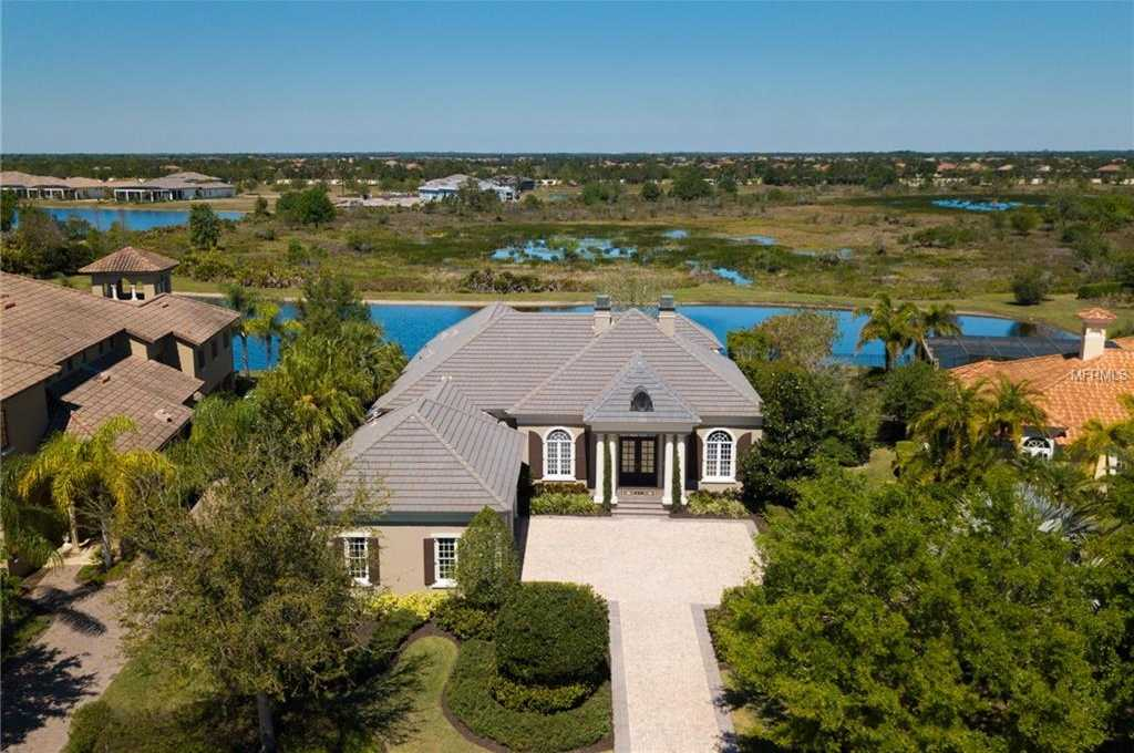 $1,090,000 - 3Br/4Ba -  for Sale in Lake Club, Lakewood Ranch