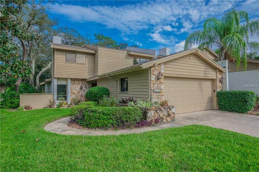 $303,500 - 4Br/3Ba -  for Sale in Fairway Oaks Unit 1, Winter Springs