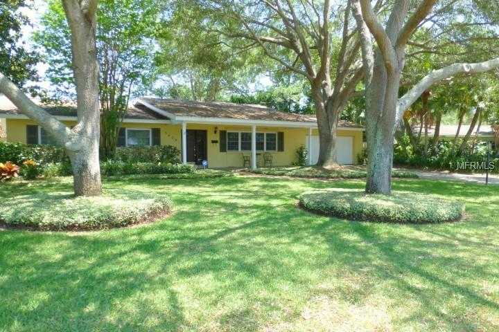 - 4Br/3Ba -  for Sale in Colonial Lane 2nd Jungle Add, St Petersburg