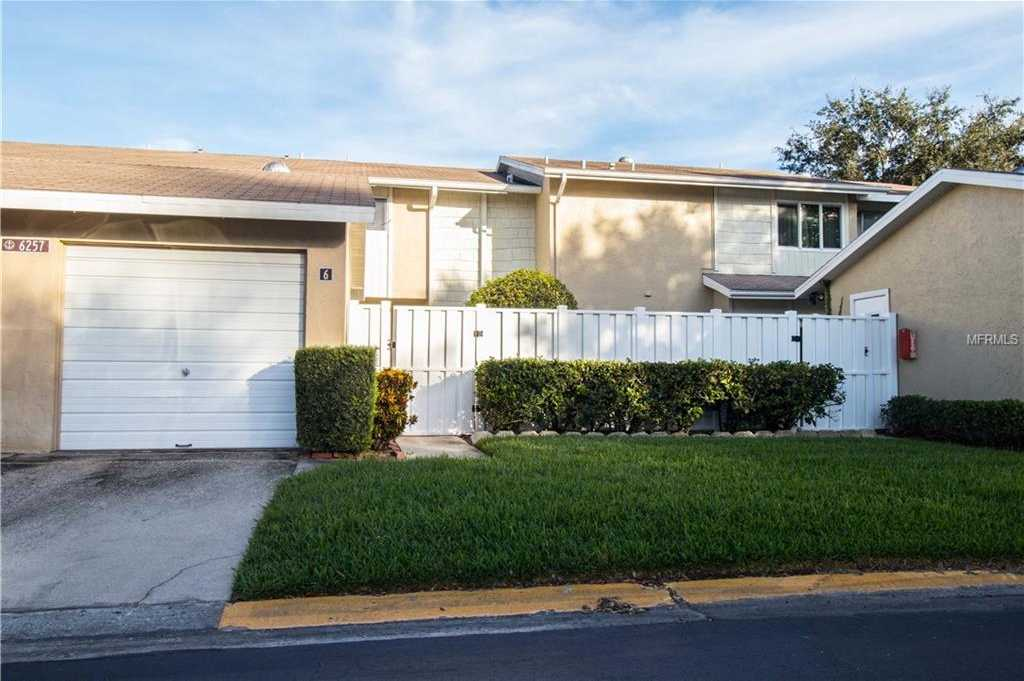 $289,900 - 3Br/3Ba -  for Sale in Mariners Pass, St Petersburg