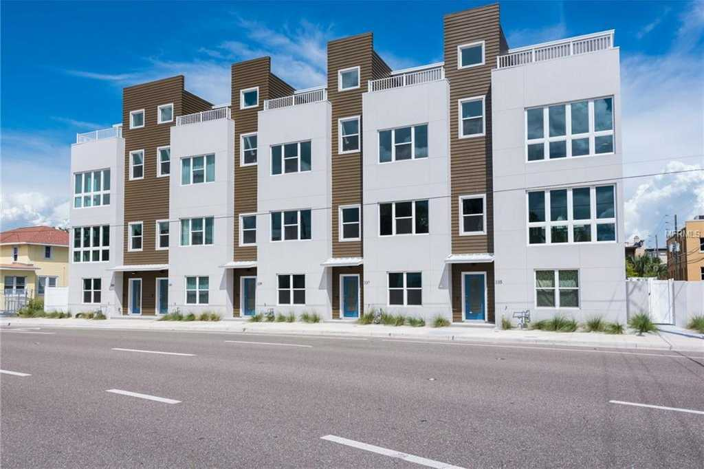 $549,990 - 3Br/4Ba -  for Sale in Skye 333 Twnhms, St Petersburg