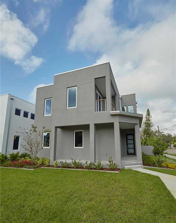 $749,900 - 3Br/3Ba -  for Sale in St Petersburg Investment Co Sub, St Petersburg