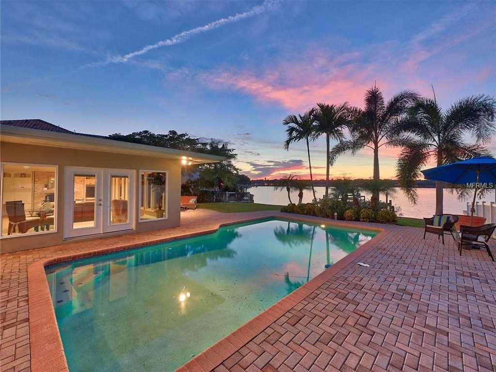 $1,370,000 - 3Br/3Ba -  for Sale in Snell Isle Shores Add, St Petersburg