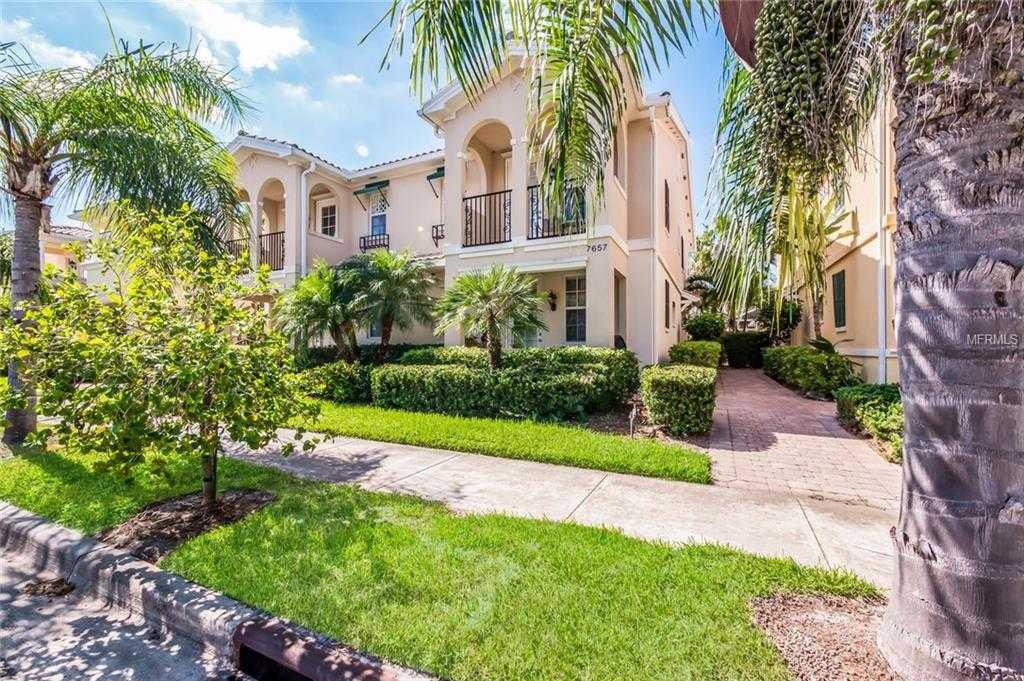 $309,000 - 3Br/3Ba -  for Sale in Villagewalk, Sarasota