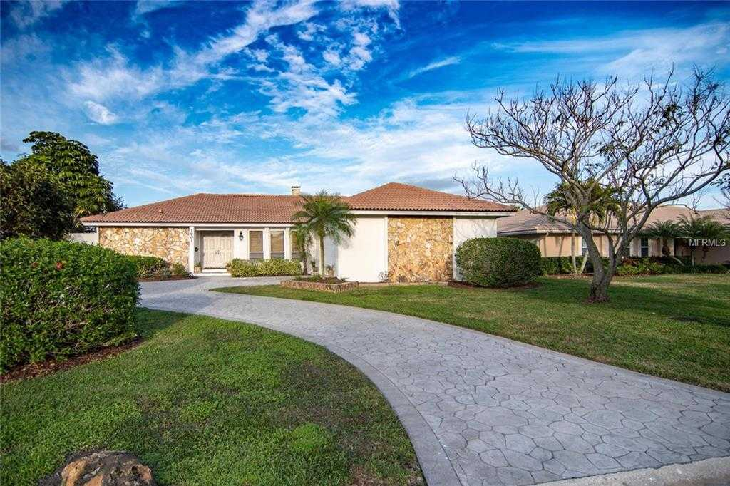 $925,000 - 3Br/2Ba -  for Sale in Venetian Isles, St Petersburg